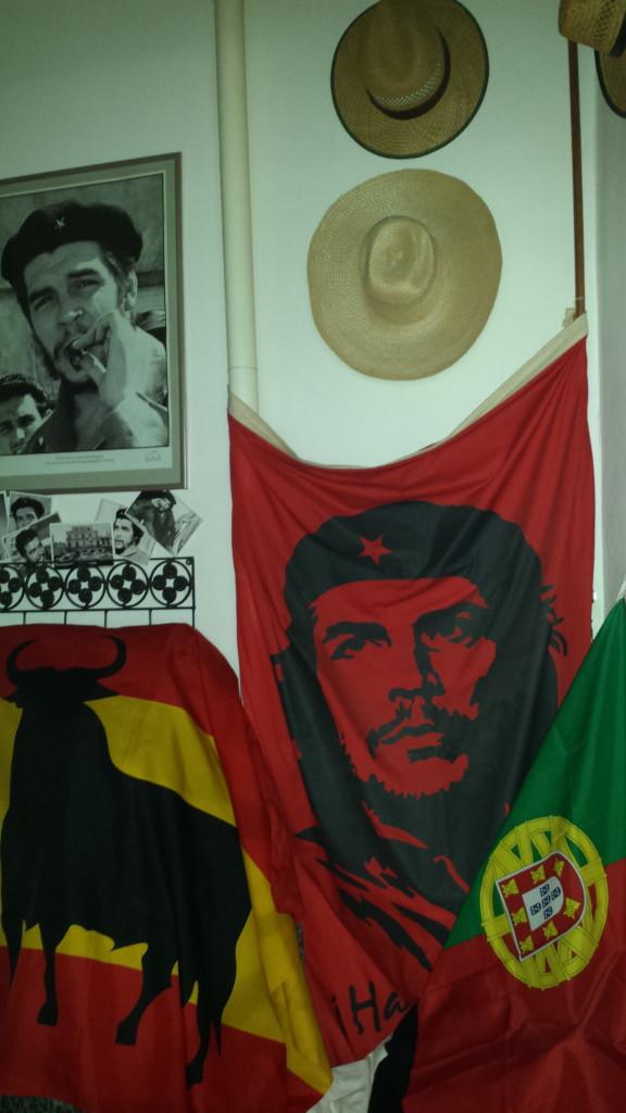 Flaggen aus Cuba, Spanien und Portugal
