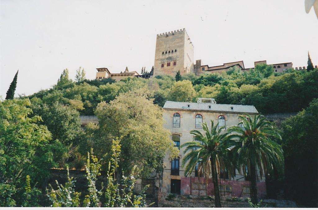 Alhambra von unten