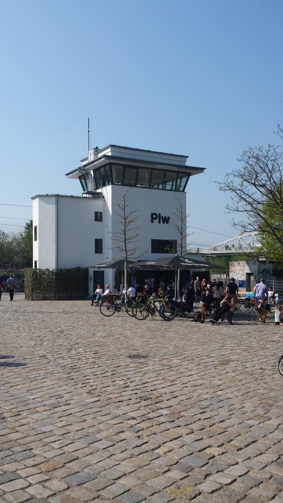 Kleines Cafe un Kiosk