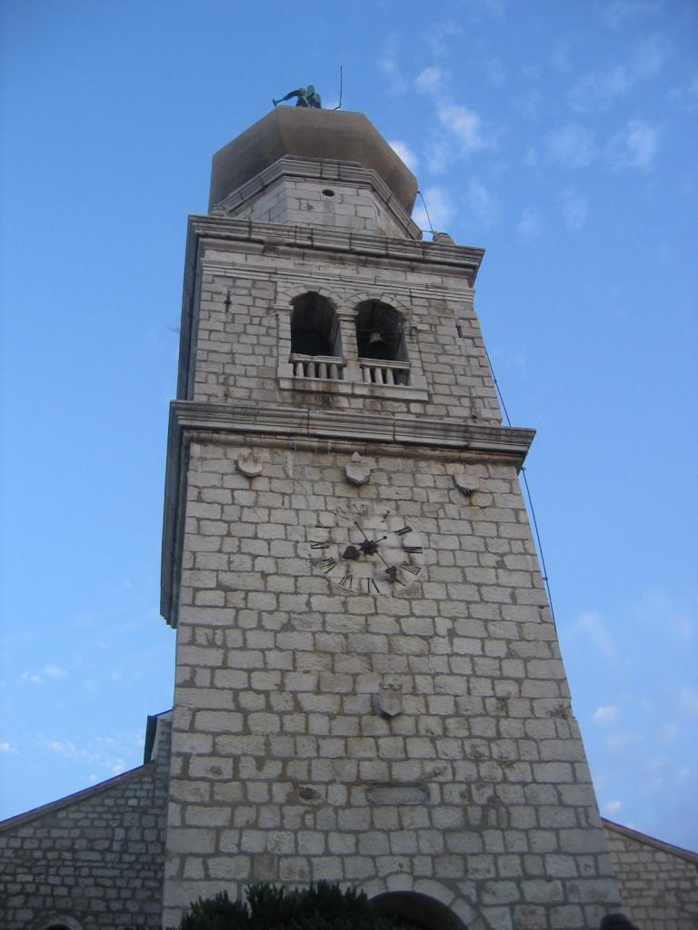 Glockenturm mit Zwiebelkuppel