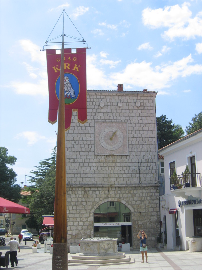 Hauptplatz mit Rathaus