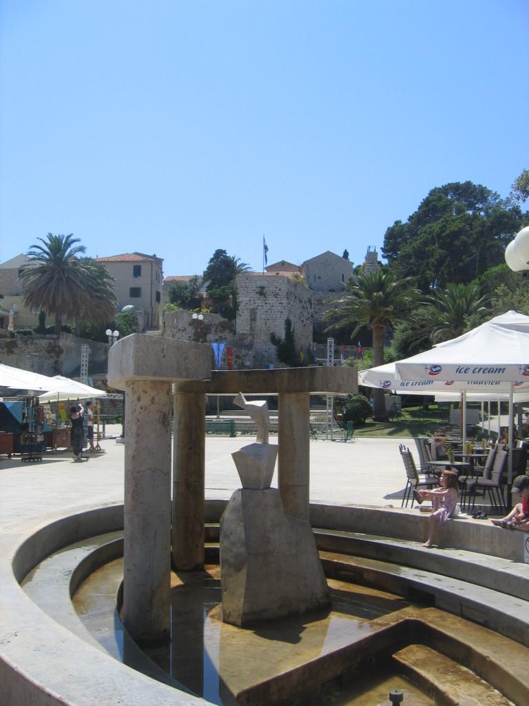 Platz an der Promenade