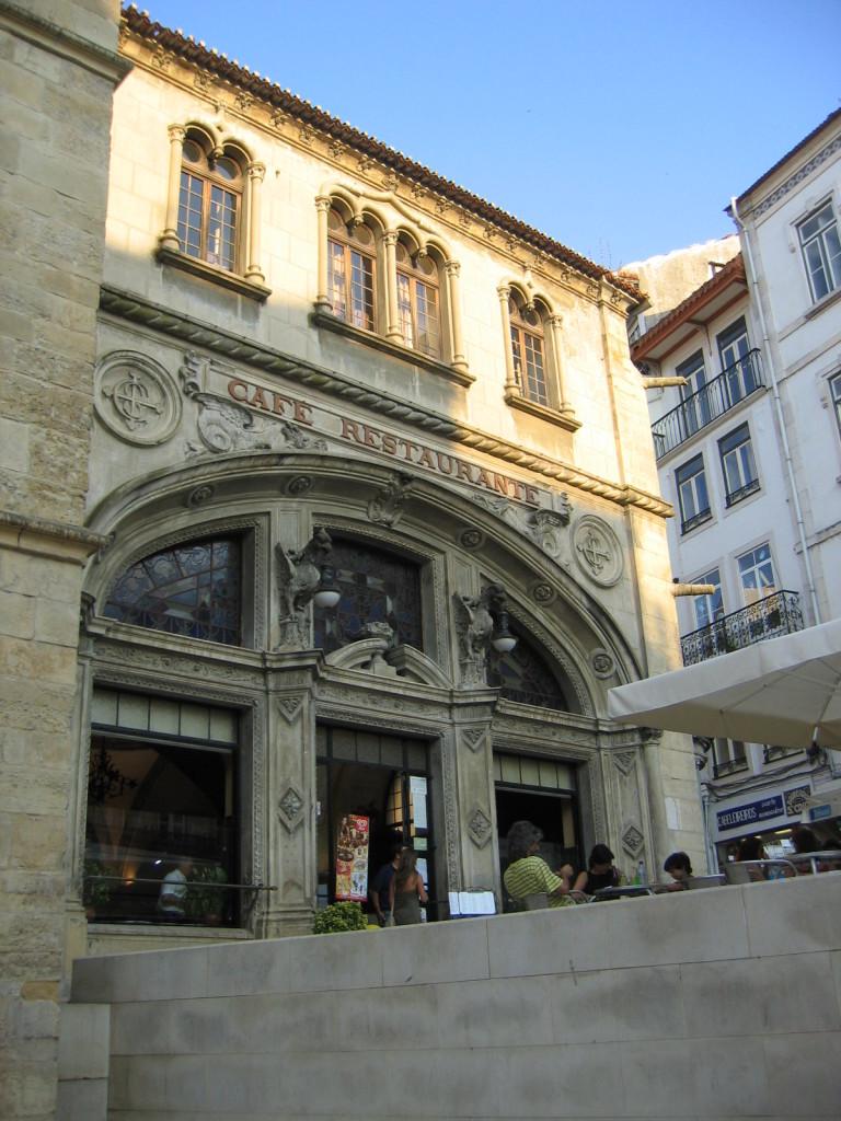 Cafe Restaurant/ Praca Oito de Maio - Coimbra