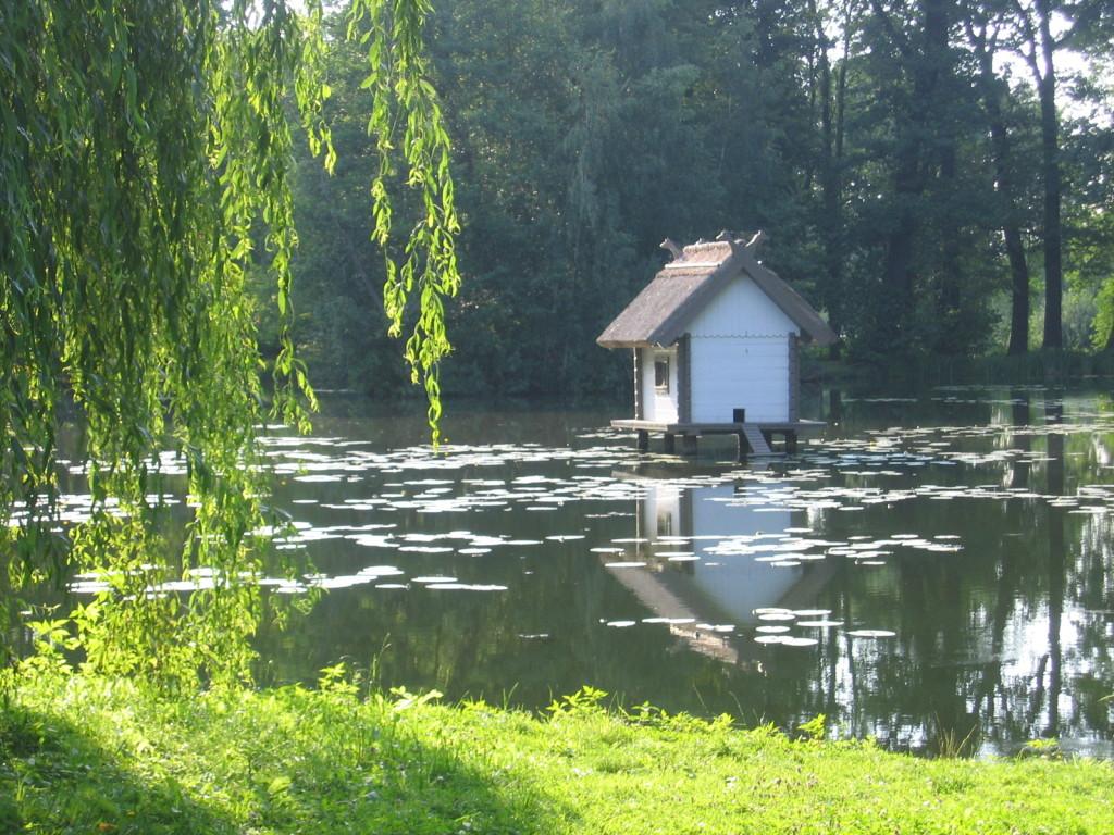 Schloss-Teich