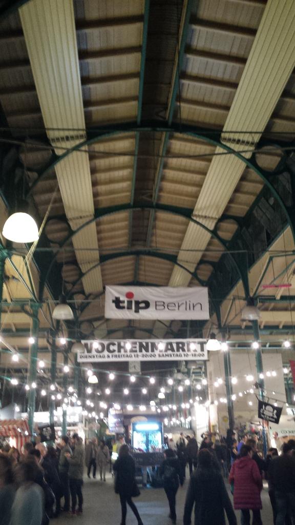Markt Halle Neun