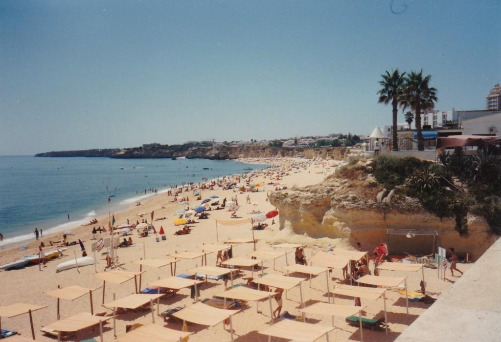 Praia do Armacao de Pera