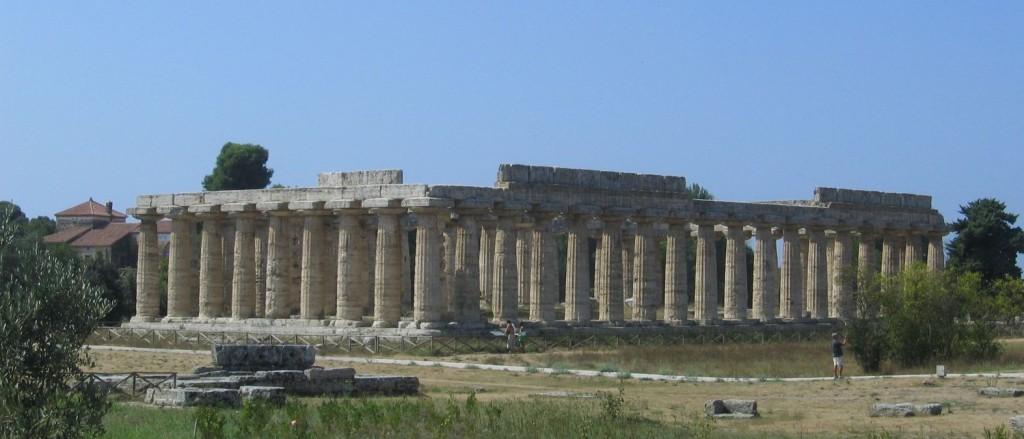 Tempelruinen in Paestum