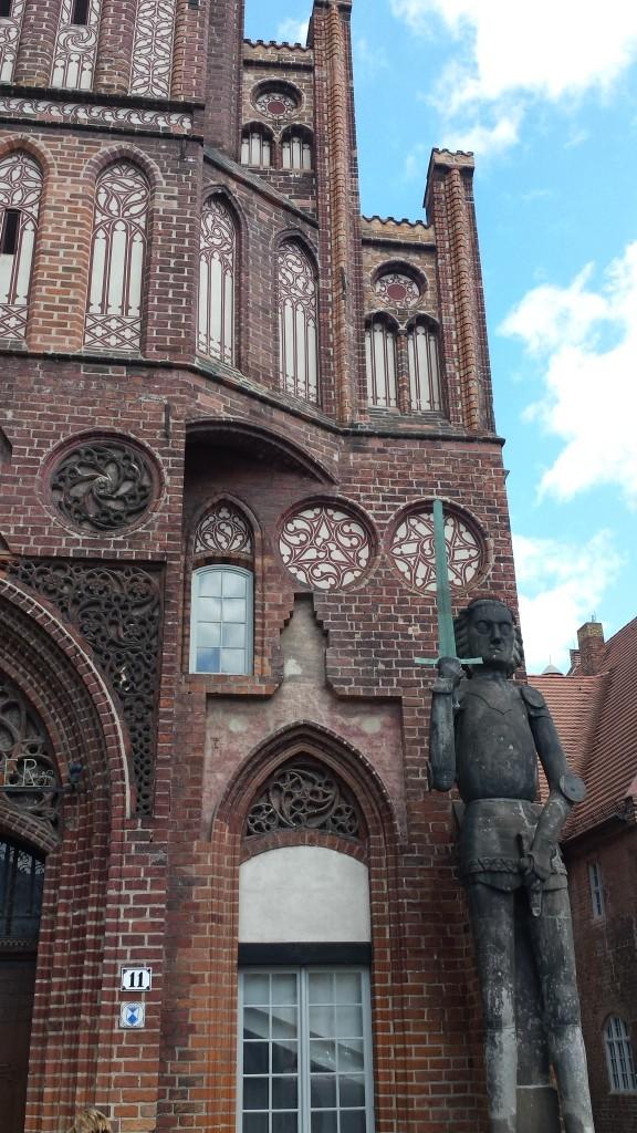 Altstädtisches Rathaus mit Roland