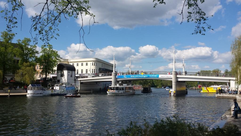 Jahrtausendbrücke vom Heinrich-Heine-Ufer