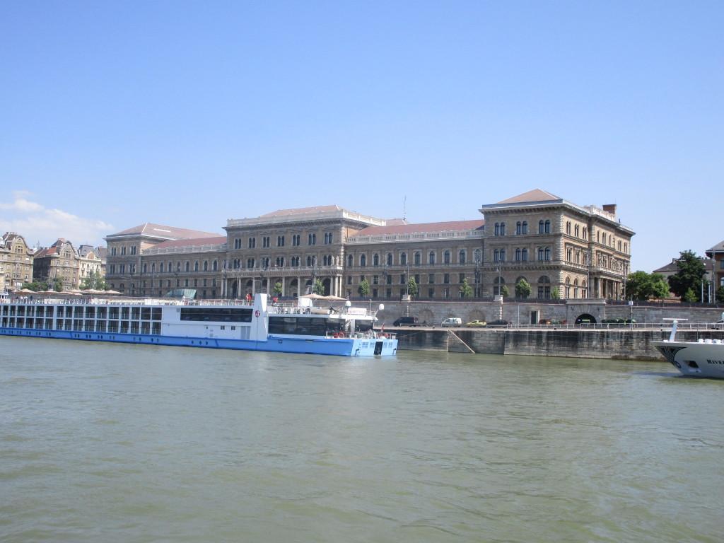 Corvinius-Universität