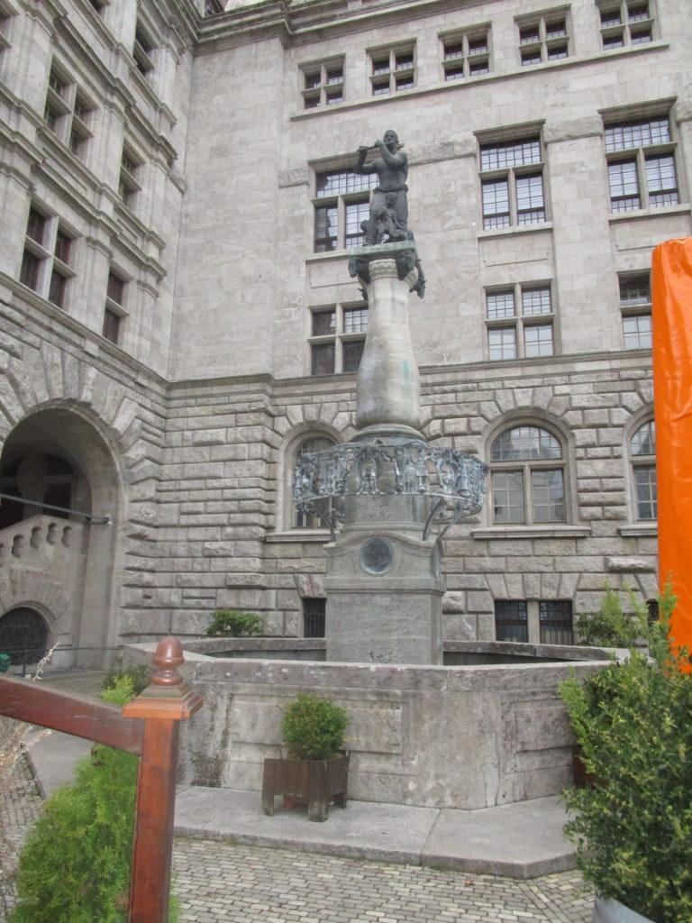 Brunnen Neues Rathaus