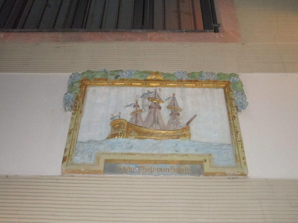 Zum goldenen Schiff