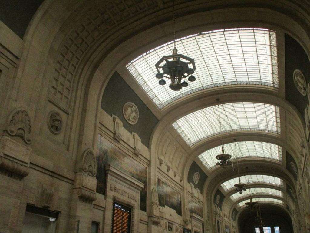 Hauptbahnhof Milano Centrale